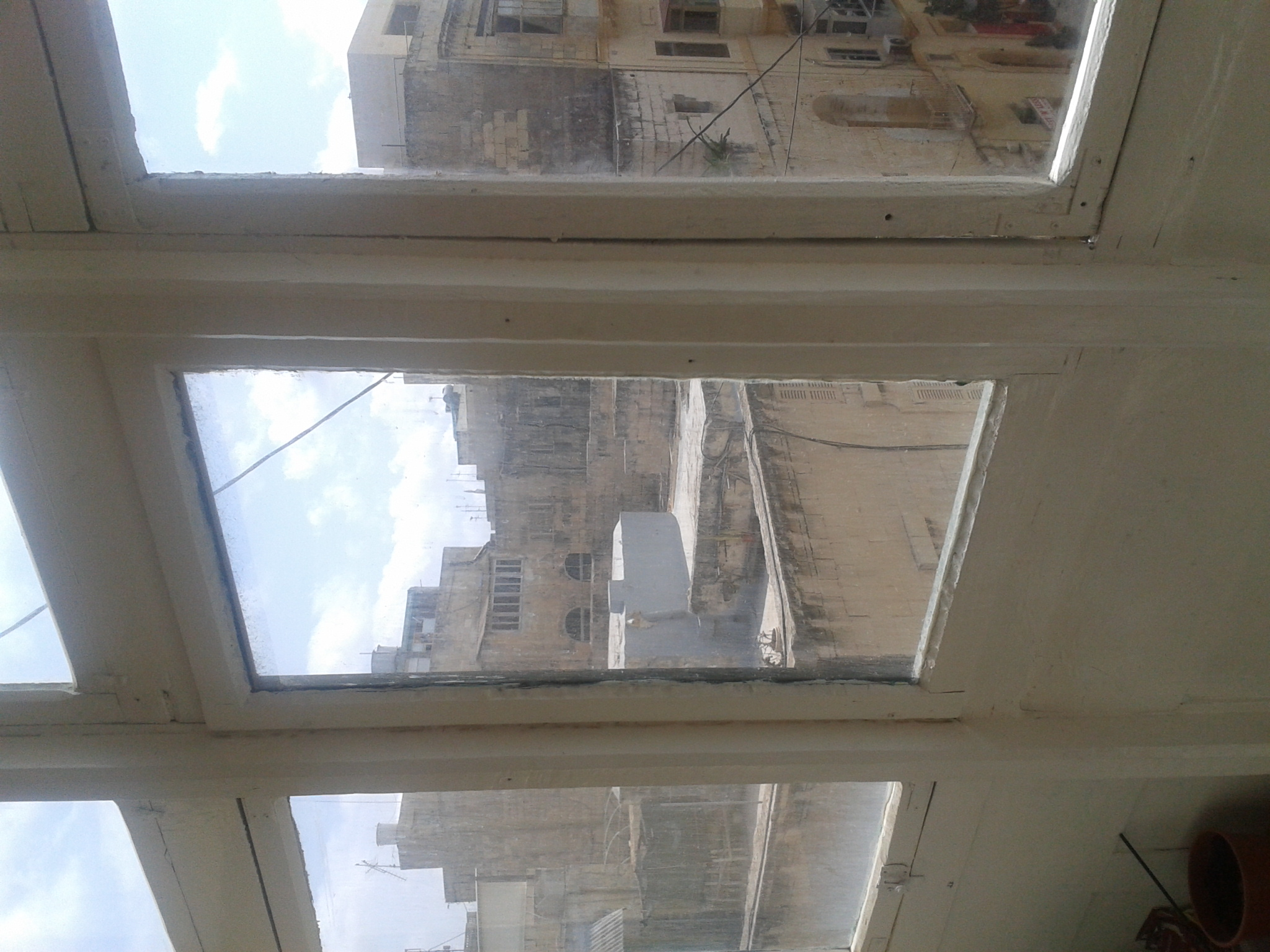 Restauration of the balconies: To be on the safe side, most windows are actually nailed to the frame, no risk of hyper-ventilating here...